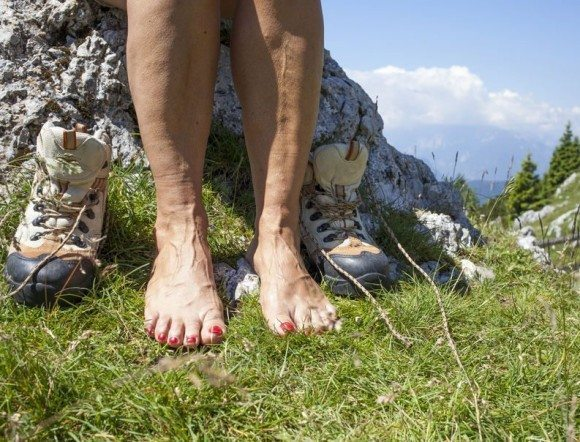 Swollen Feet and Swollen Ankles - Leg Edema Explained