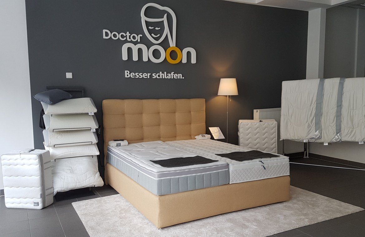 Showroom Doctormoon