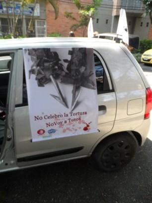 Automóviles vinculados Caravana Antitaurina en Medellín
