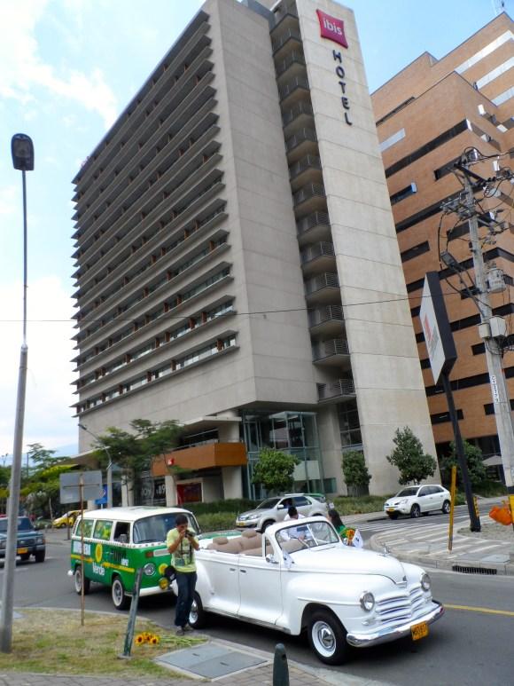 Llegada Ciudad del Río Caravana Antitaurina en Medellín