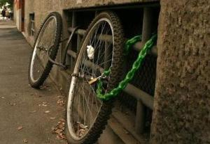 Ineffective-Bike-Locks-889