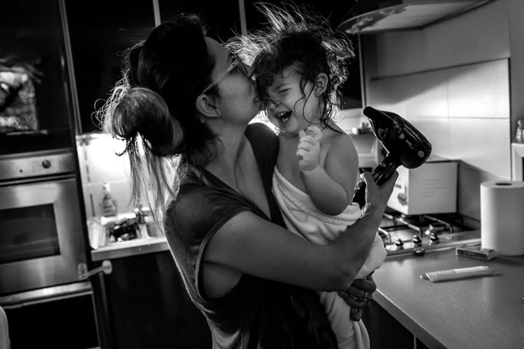 ralu-chase-documentary-family-photography-everyday-routines-7