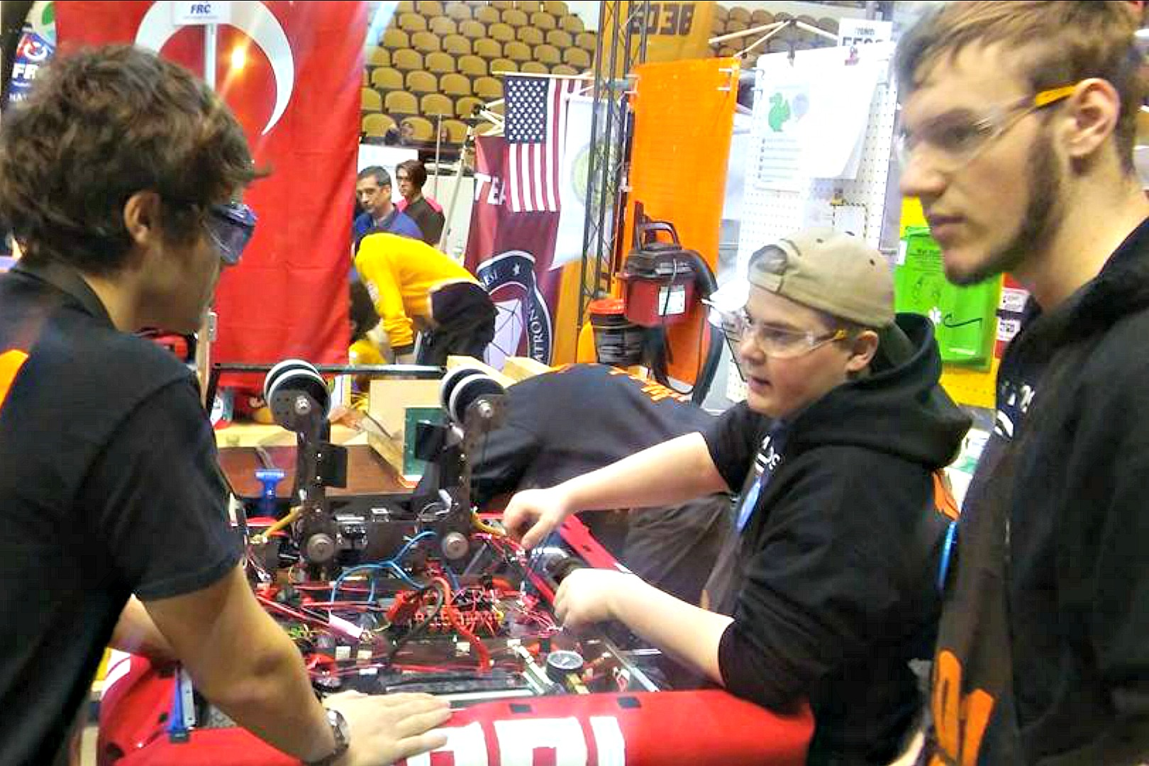 1091 Hartford Wisconsin Robotics Team