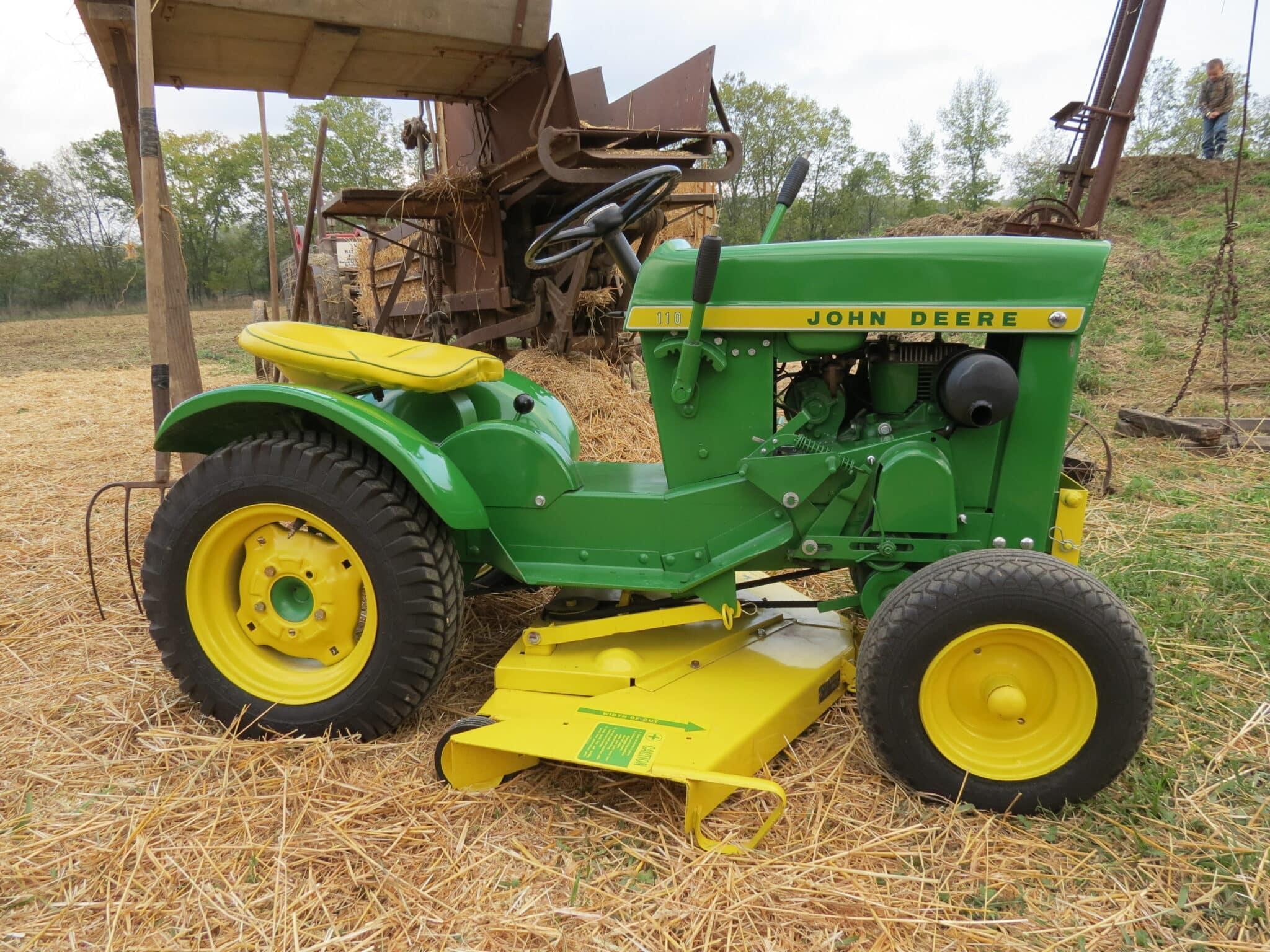John Deere 110 Vintage Lawn and Garden Tractor
