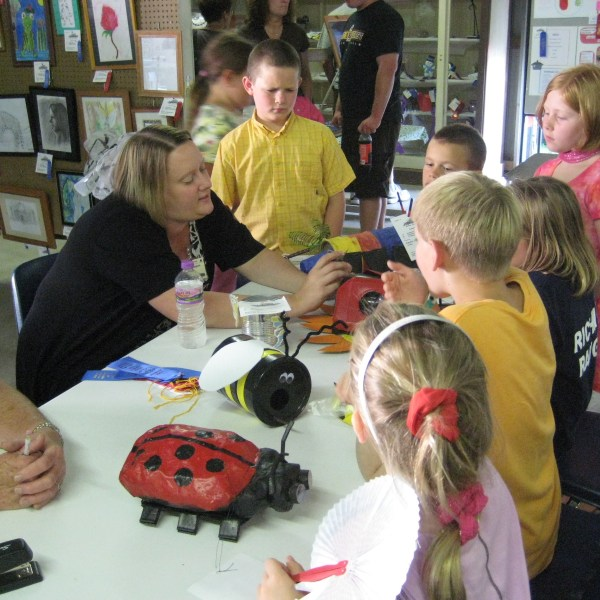 4-H FFA Youth Learn and Display at County Fair