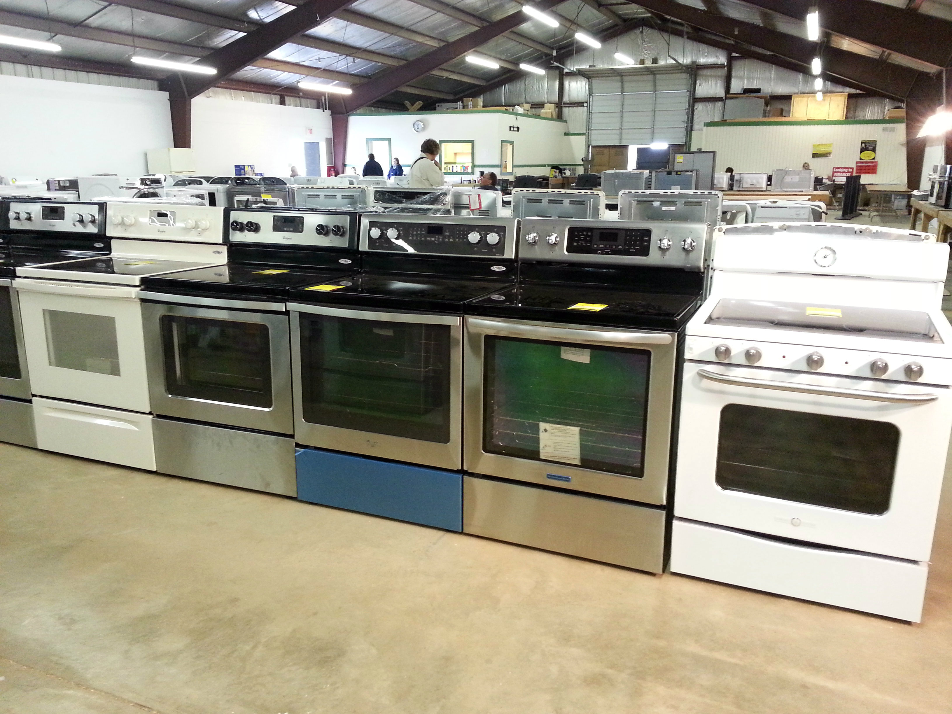 Ovens Stoves Cooktops at Silica Appliance Liquidation Sale