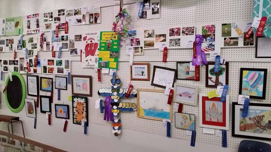 Junior Fair Cloverbud Exploring Exhibits