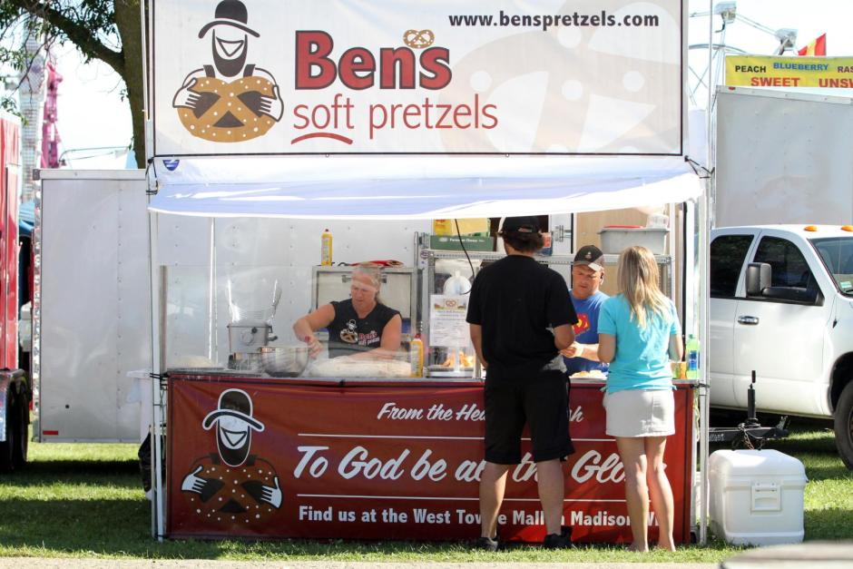bens-soft-pretzels-food-vendor-dodge-county-fair