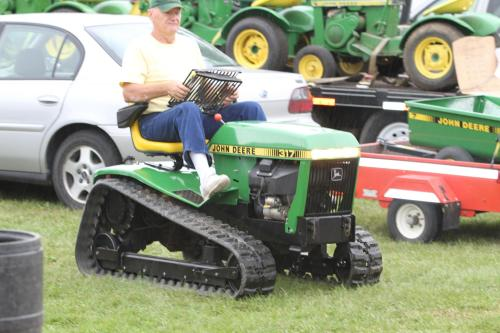 John Deere 317 Tracks Custom Lawn and Garden Tractor