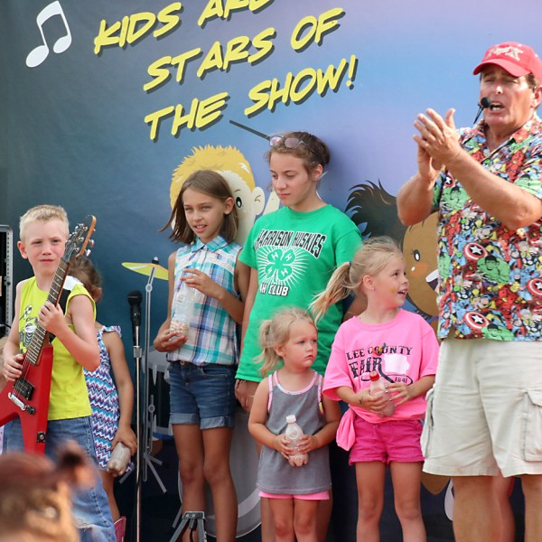 Nick's Kids Show on W Midway Circle
