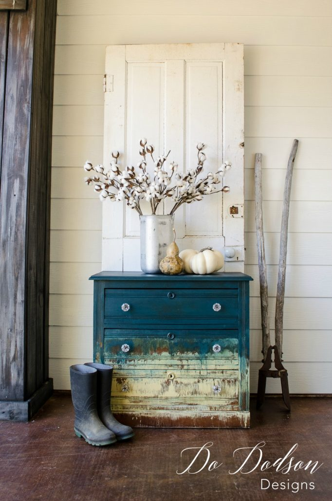 Amazing hand painted furniture that will blow your mind. Stunning Furniture Creations #furniturecreations #handpaintedfurniture