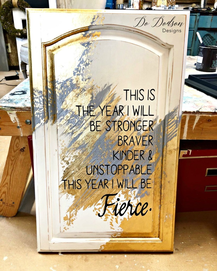 Gold leaf furniture can add a pop of GLAM to your home if you like that kinda wow factor. It's also a great way to dress up other projects as well. How about this .97 cent cabinet door I purchased at the ReStore? Want to learn more about gold leafing? Come on over and I'll show you. :) #dododsondesigns #goldleaf
