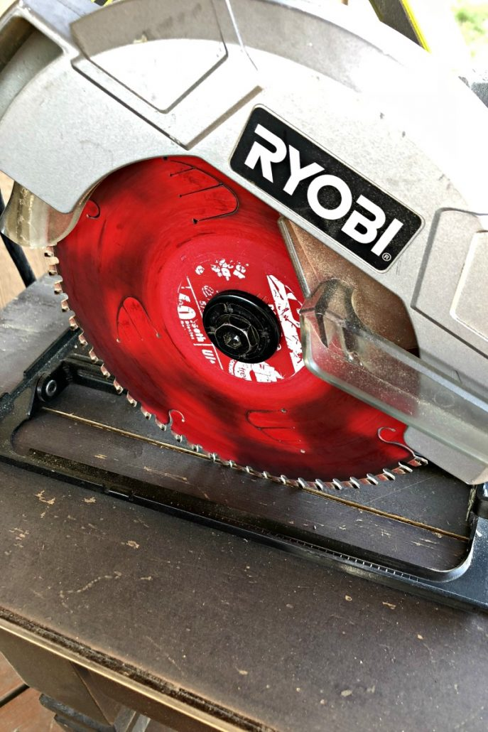 I used my RYOBI circular saw to cut the grooves in the table top.