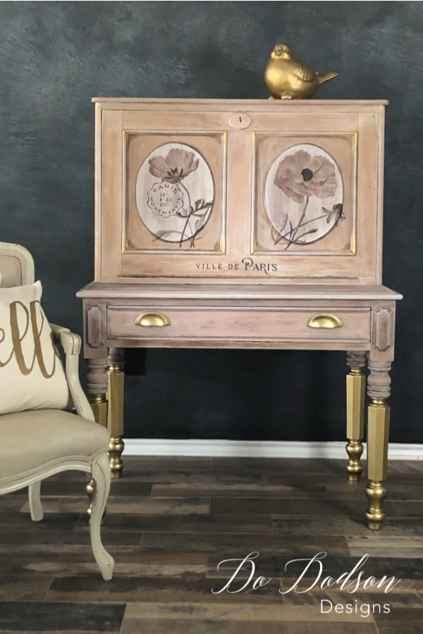 Transform your vintage desk into a work of art by using chalk mineral paint as a whitewash and GOLD leaf spray paint to add amazing details!