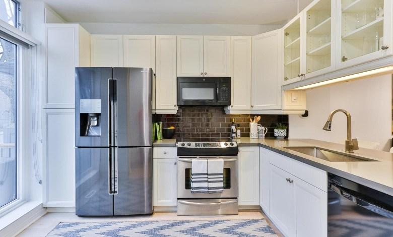Commercial-grade refrigerators
