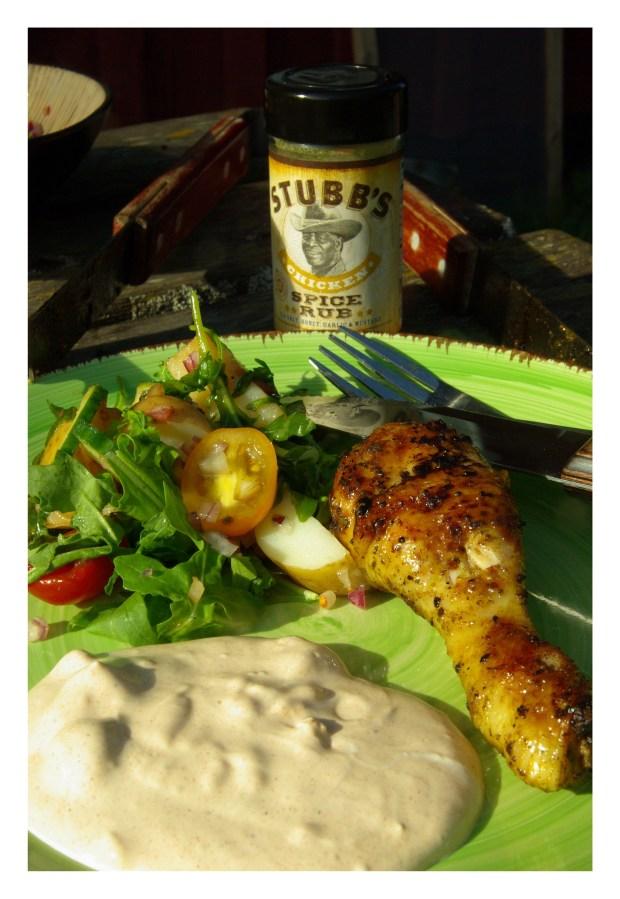 Lite potatissallad, kyckling och sås
