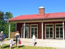 På Sveriges nationaldag var det storkalas för Karin å Ida (matte Fias svägerska och brorsdotter)! Ida fyllde 7 år på denna dag, och Karin fyller 40 år några dagar längre fram. Vi var på en underbar gård som hette Kåsjögården i Partille.
