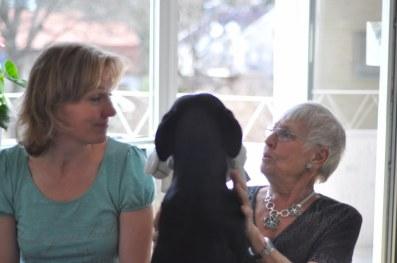 Mattesyster Lena, jag och MorrMorr Nunne i kramkalas.