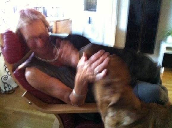 Men jag är snabb som en vessla och hann fram å pussa henne innan Fox!