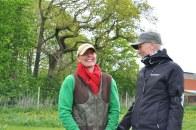 Marie som sköter gården (jo, Leonard gör nog lite han också) med matte Fia.