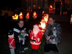Lots of Santas (1)