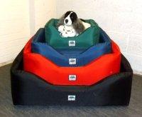Zippy Pet Dog Bed - Waterproof Wipe Clean Sofa - Large - Black