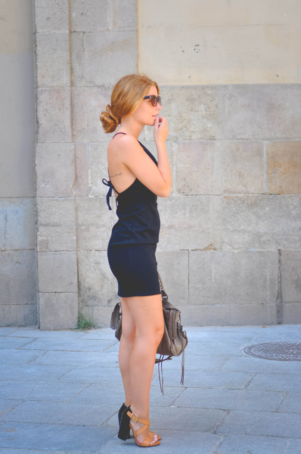 dogsanddresses_outfit_barcelona_littleblackdress-46