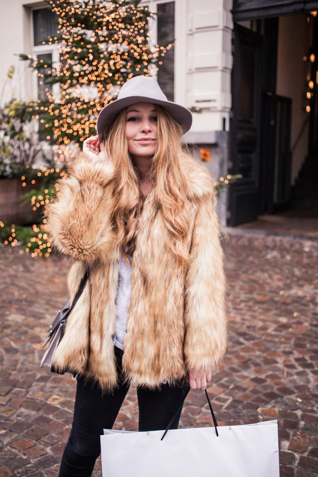 Dogs and Dresses furry coat grey hat outfit streetstyle 6