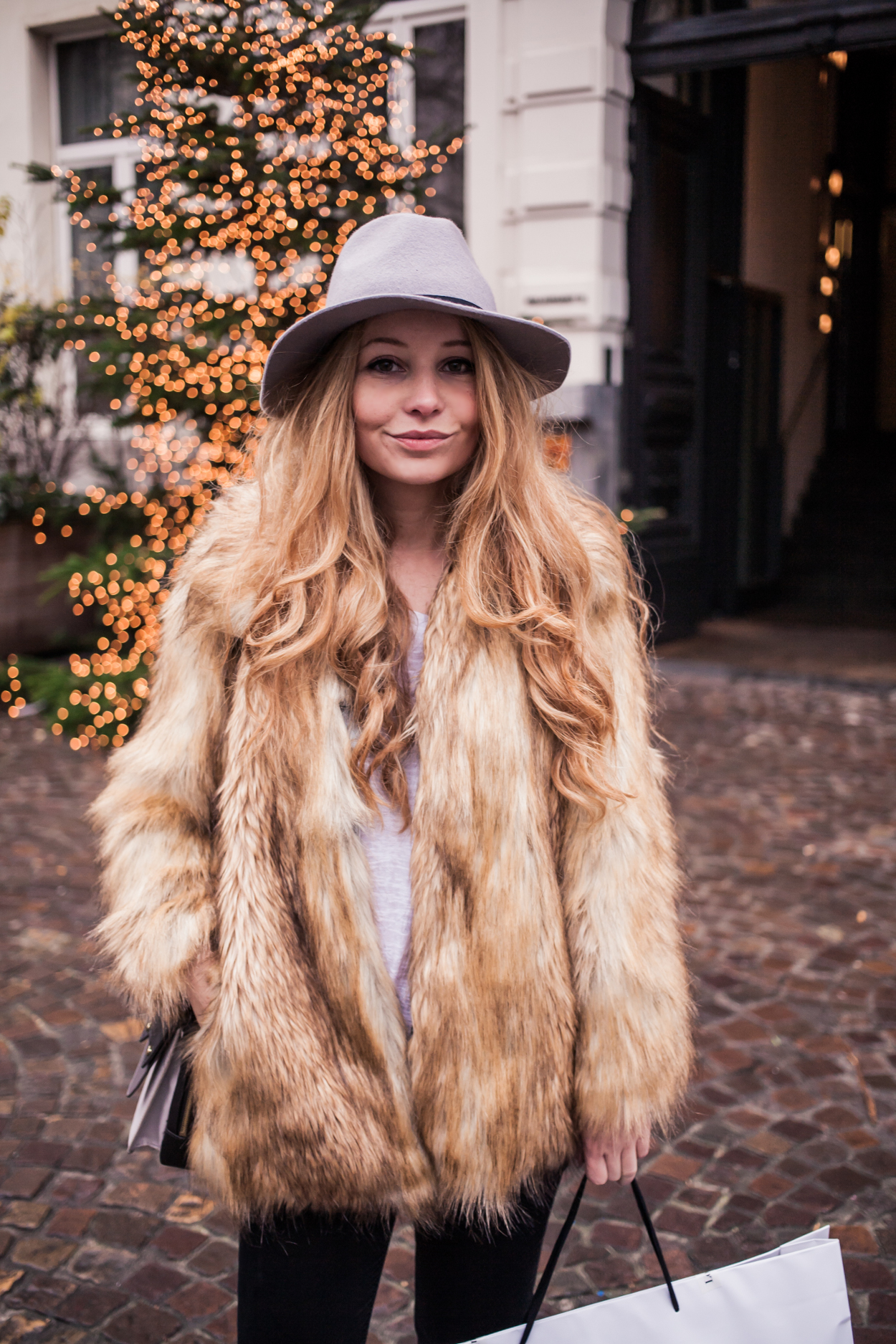 Dogs and Dresses furry coat grey hat outfit streetstyle 7