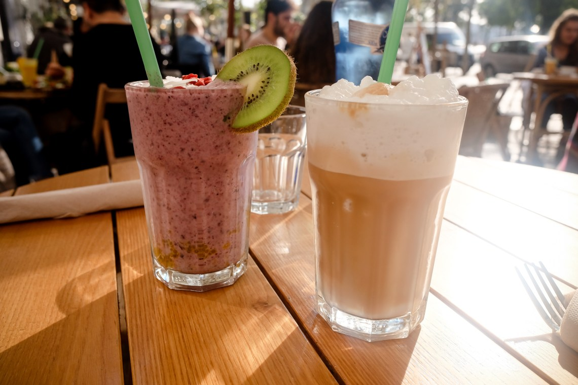 Brunch and Cake by the beach travel diary barcelona