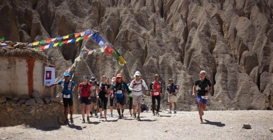 2013.05.06-IMG_8773-RPB-runners-leaving-luri-540x278