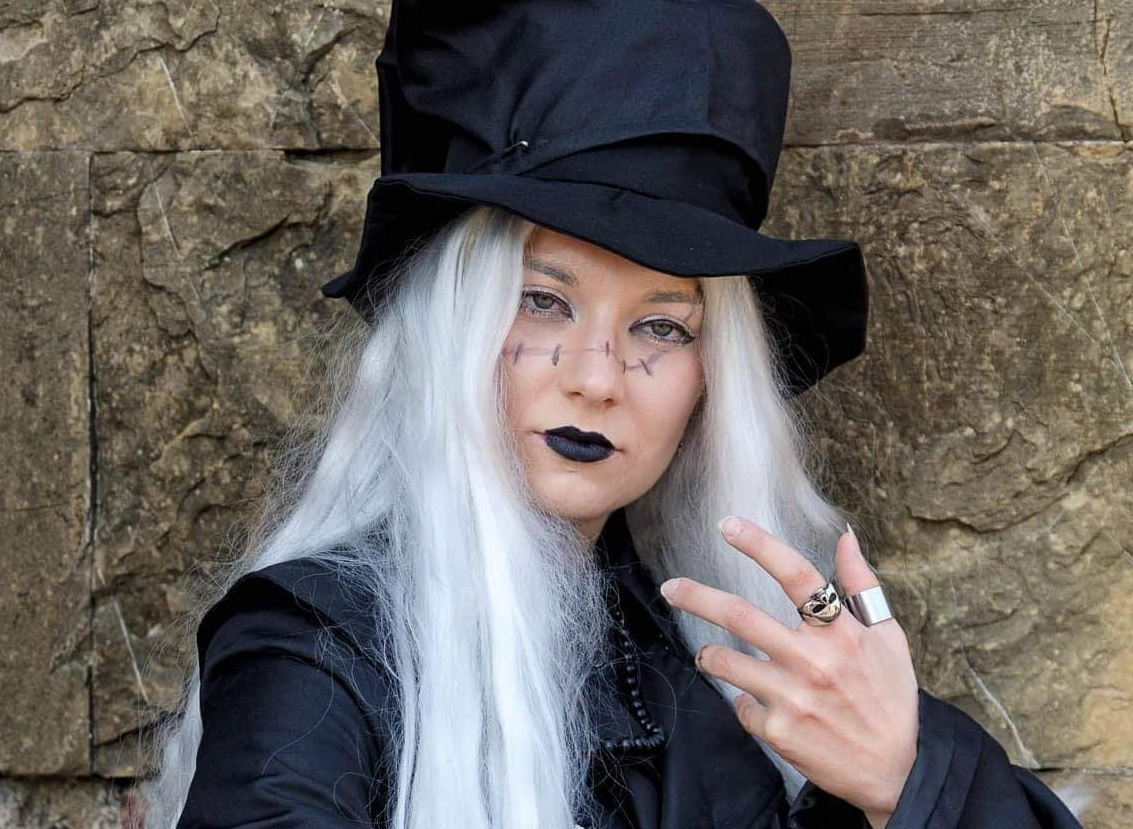 Il cosplay dell'Undertaker del manga Black Butler