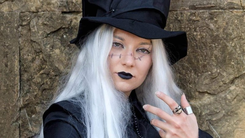 Il cosplay dell'Undertaker del manga Black Butler