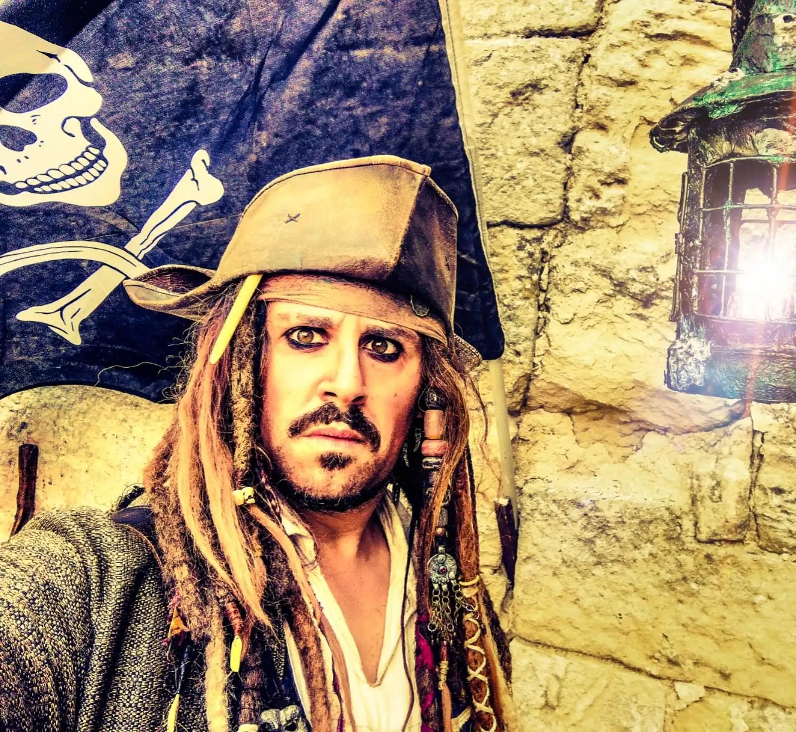 Attenta ciurma! Il capitano Jack Sparrow è qui