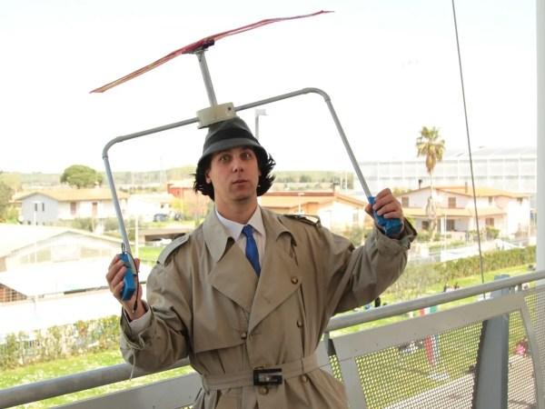 Il bizzarro Ispettore Gadget, interpretato dal cosplayer Giustino Carchesio!