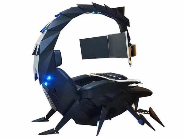 Uno scorpione? No una postazione da gaming!