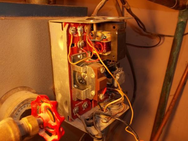 Wiring A Honeywell Aquastat L E