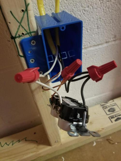 small resolution of wiring new outlets in the middle of the wire run doityourself com ground like the picture