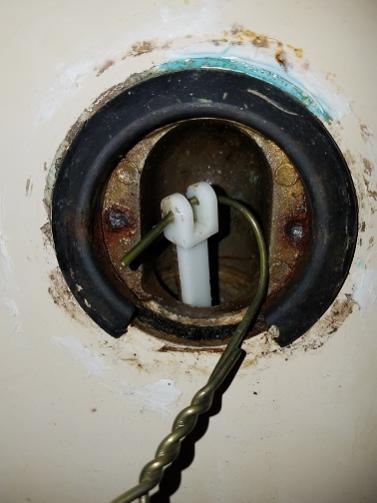 Replacing Bathtub Drain Lever No Screw Holesscrews