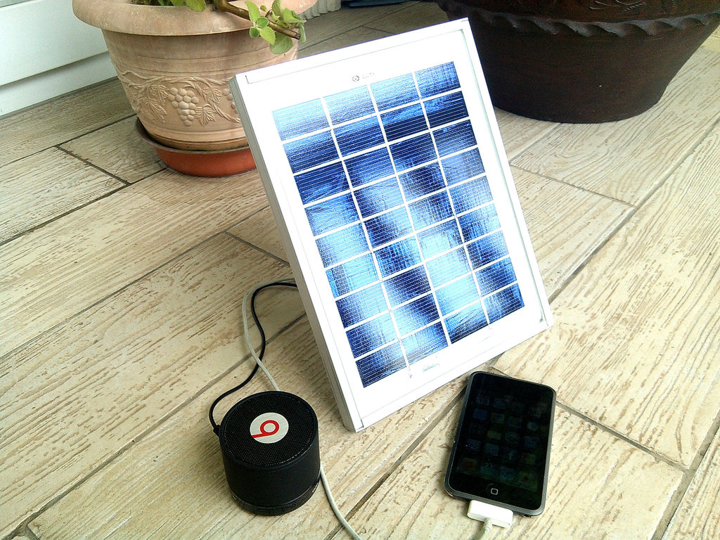 Solar Power Battery Charger Theorycircuit Do It Yourself