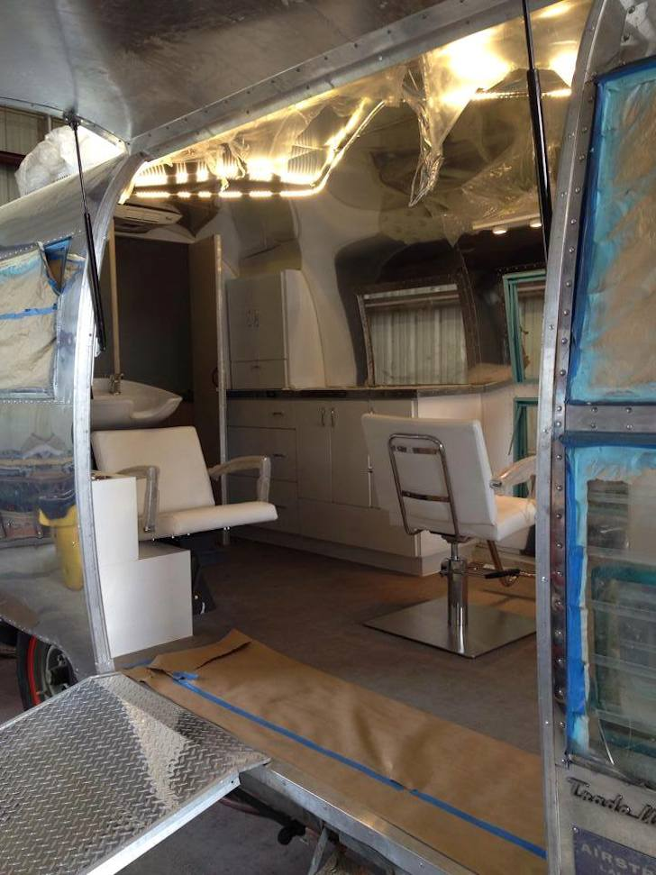 See This Ratty Old Trailer Transform Into A Stunning Salon