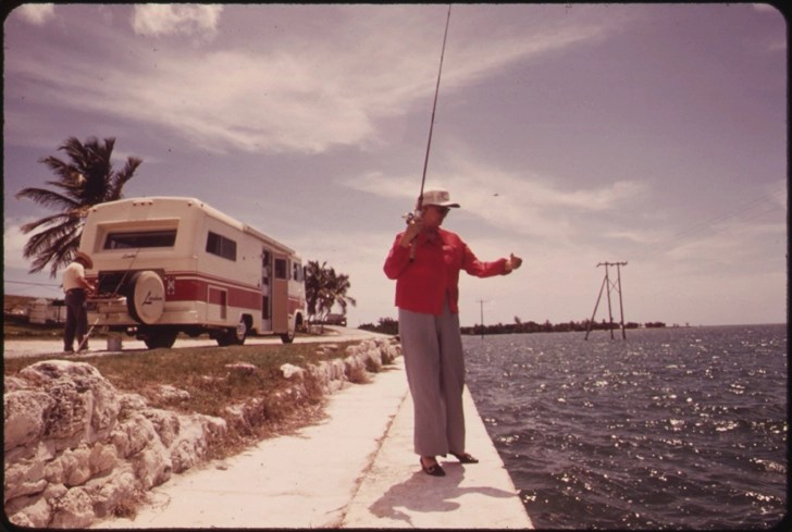 20 Vintage Photos Of Camping And RVing From The 1970s