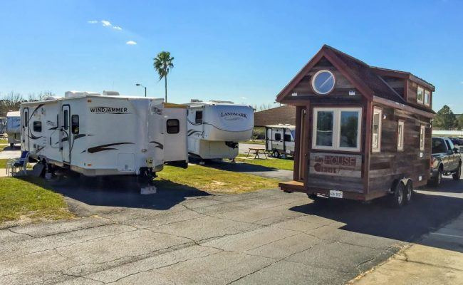 Tiny Houses Vs Rvs Motorhomes And Travel Trailers