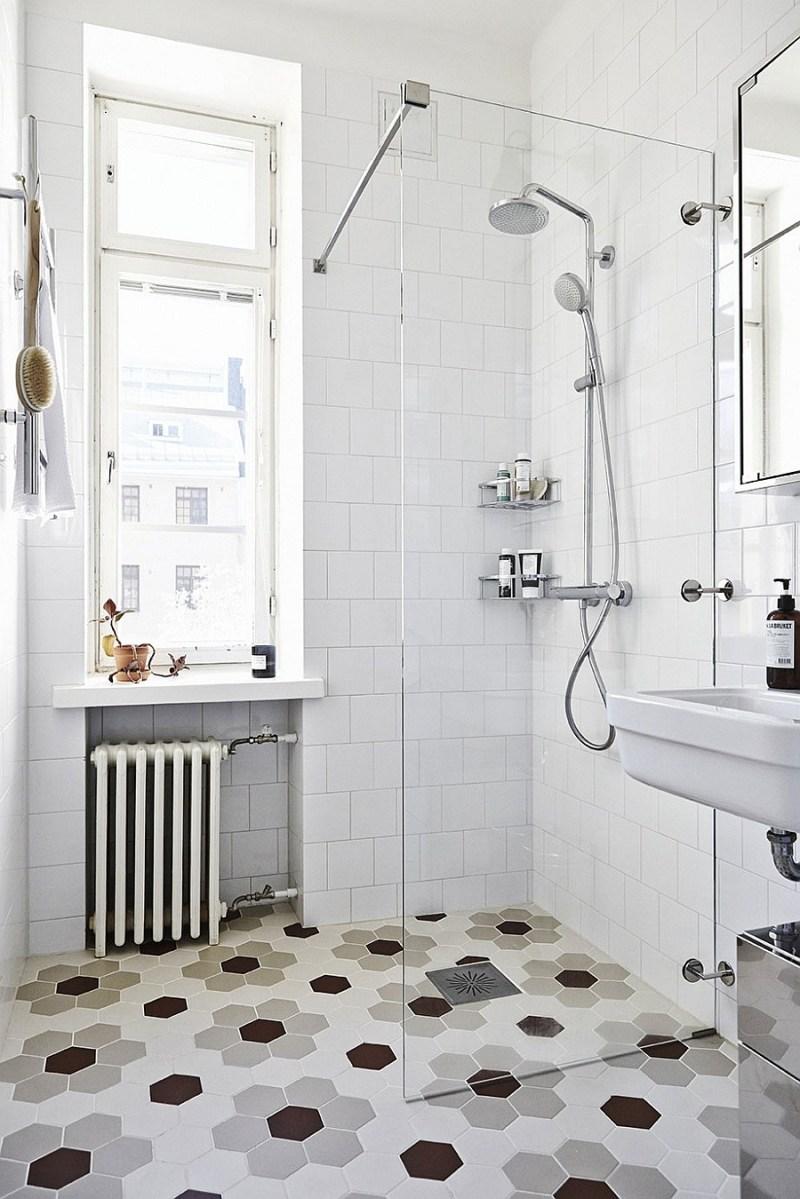 Scandinavian-bathroom-design-with-hexagonal-floor-tiles
