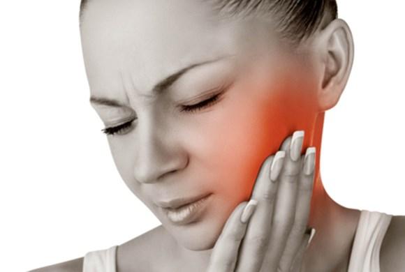 Mengobati Gigi Berlubang Dengan Bahan Alami