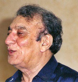 सुना है लोग उसे आँख भर के देखते हैं Ahmad Faraz Shayari in Hindi
