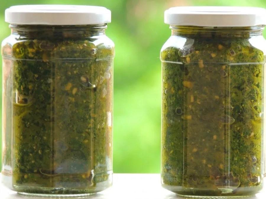 Pesto Vegan Senza Aglio con Basilico e Anacardi