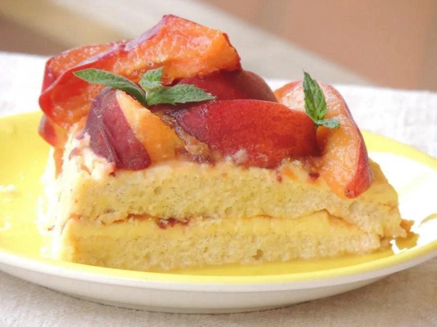 Torta Paleo con Crema, Mandorle e Pesche