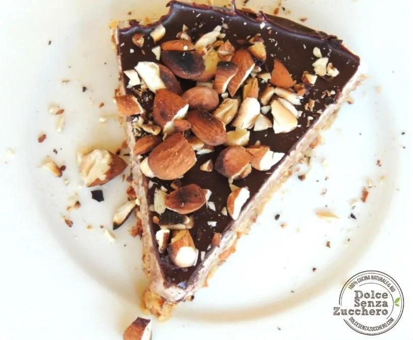 Torta al Burro di Mandorle Panna Mandorle e Cioccolato (3)