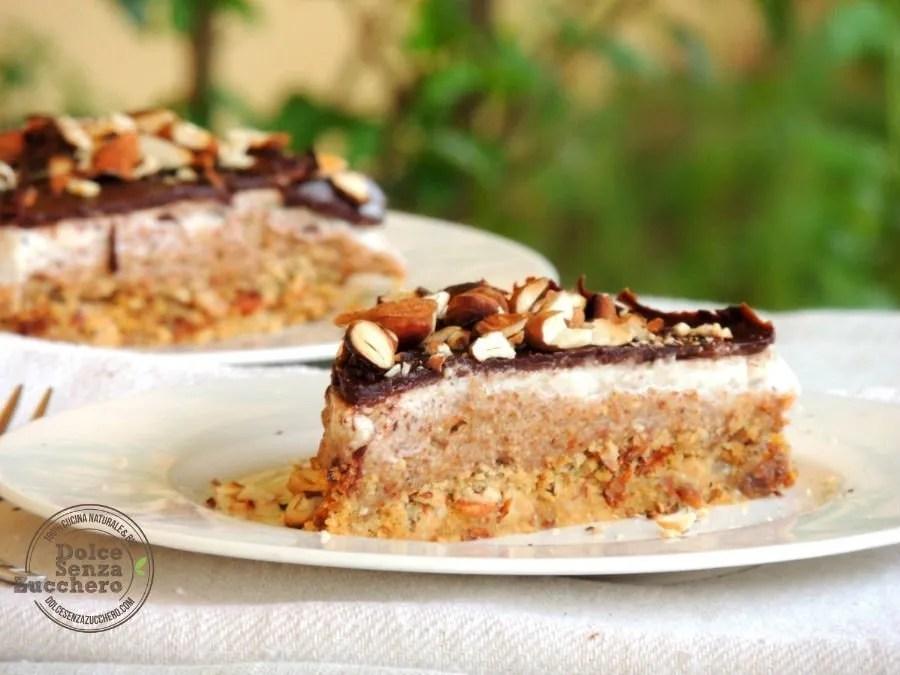 Torta al Burro di Mandorle Panna Mandorle e Cioccolato (6l2